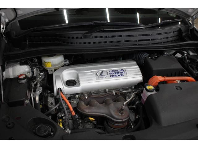 直列4気筒DOHC+モーター 最高出力150ps(110kW)/6000rpm最大トルク19.1kg・m(187N・m)/4400rpm
