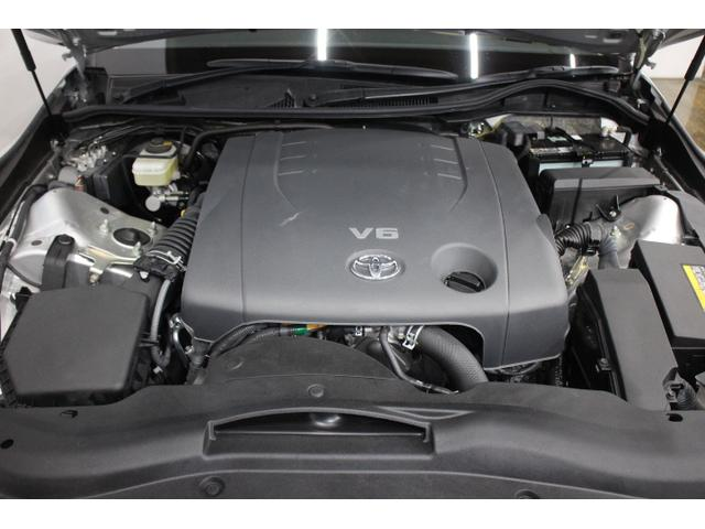 V型6気筒DOHC 最高出力 203ps(149kW)/6400rpm最大トルク 24.8kg・m(243N・m)/4800rpm