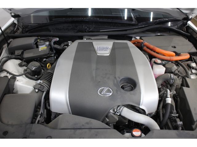 V型6気筒DOHC+モーター 最高出力295ps(217kW)/6000rpm最大トルク36.3kg・m(356N・m)/4500rpm