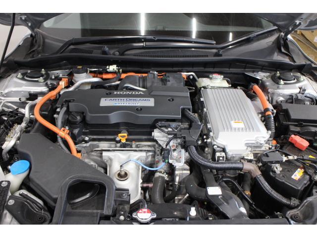 水冷直列4気筒DOHC+モーター 最高出力143ps(105kW)/6200rpm最大トルク16.8kg・m(165N・m)/3500〜6000rpm