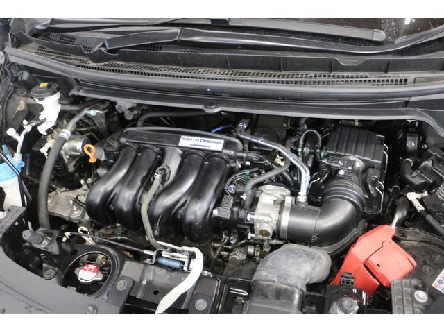 水冷直列4気筒DOHC16バルブ 最高出力131ps(96kW)/6600rpm最大トルク15.8kg・m(155N・m)/4600rpm