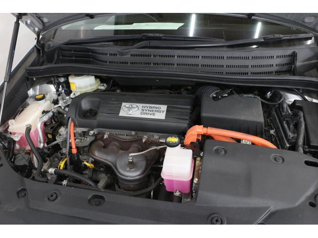 水冷直列4気筒DOHC+モーター 最高出力150ps(110kW)/6000rpm最大トルク19.1kg・m(187N・m)/4400rpm