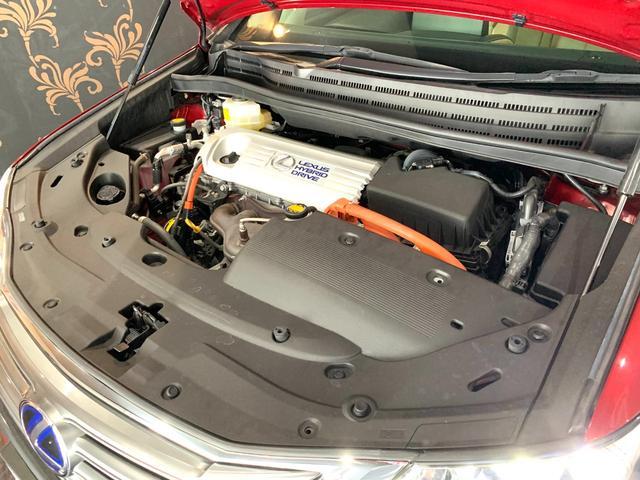 ハイブリッドシステムの制御の見直しや充電効率の改良などにより燃費を向上させ、20.6km/L(JC08モード走行燃費)を実現