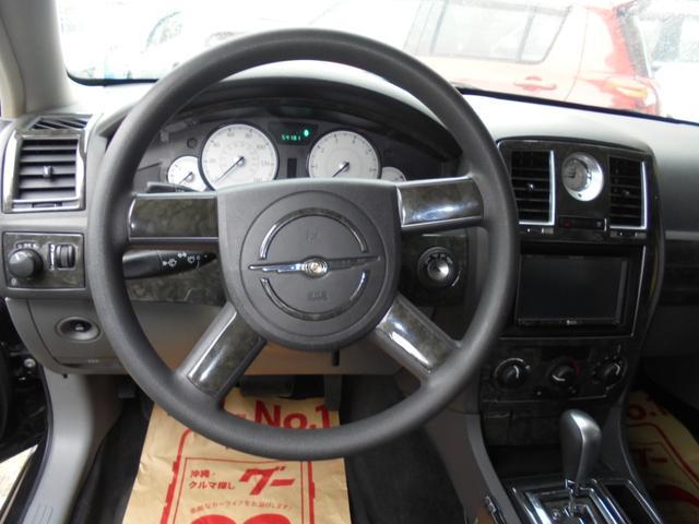 「クライスラー」「クライスラー300C」「セダン」「沖縄県」の中古車16