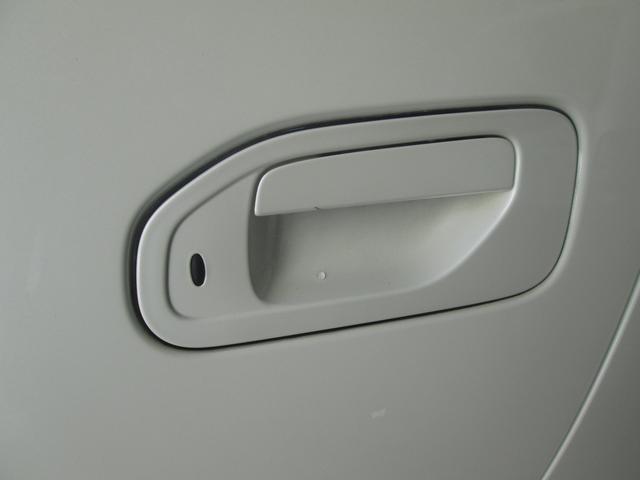 「日産」「NV350キャラバン」「ミニバン・ワンボックス」「沖縄県」の中古車21