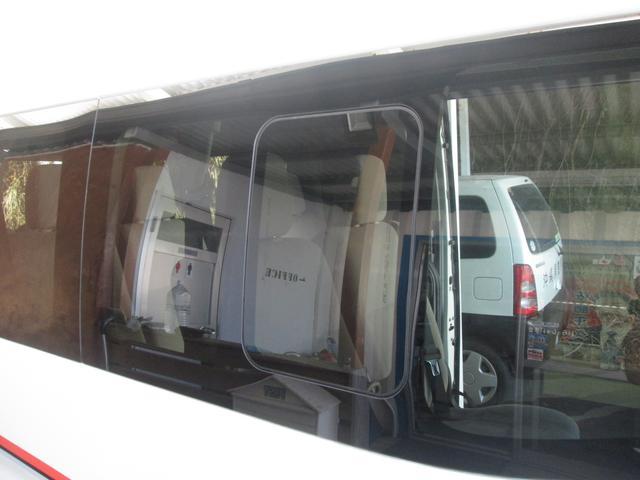 「日産」「NV350キャラバン」「ミニバン・ワンボックス」「沖縄県」の中古車23