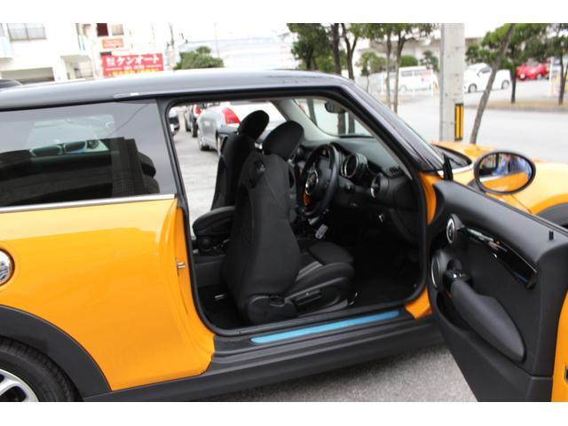 「MINI」「MINI」「コンパクトカー」「沖縄県」の中古車32