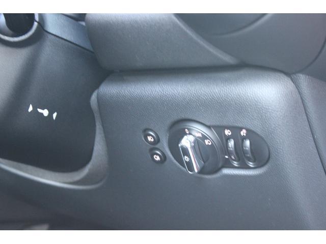 ワン ディーラー車 禁煙車 ETC 純正15AW アイドリングストップ スマートキー Bluetooth USB 本土仕入れ(36枚目)