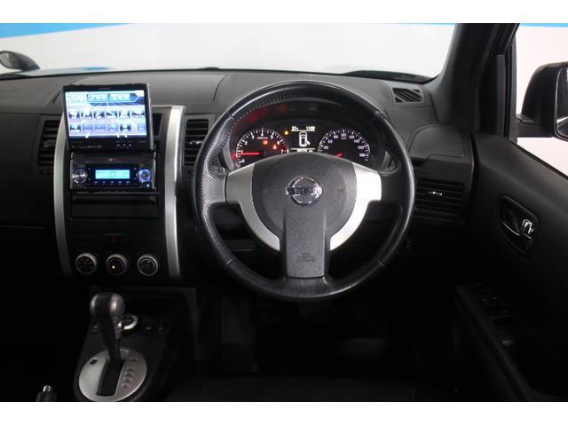 大径メーターを採用し、瞬間燃費やメンテナンス必要時期など様々な情報を表示させる車両情報ディスプレイを新たに設定。