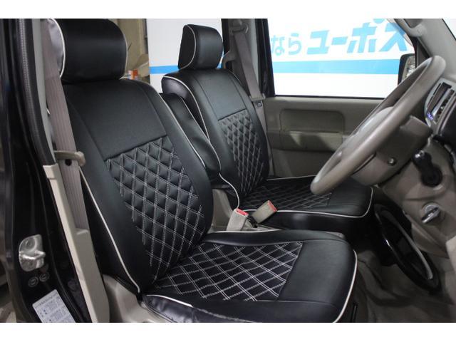 全モデルでフロントシート座面の縁部分に厚みをもたせることにより、内装の質感と快適性を向上させている。