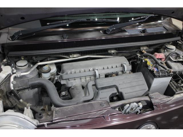 水冷直列3気筒DOHC12バルブ 最高出力52ps(38kW)/6800rpm最大トルク6.1kg・m(60N・m)/5200rpm