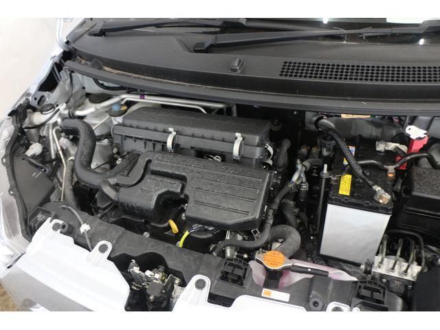 水冷直列3気筒DOHC12バルブ 最高出力49ps(36kW)/6800rpm最大トルク5.8kg・m(57N・m)/5200rpm