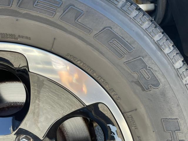 ポーラーエディション 横滑り防止装置 サイドカメラ キーレス CD シートヒーター 4WD(26枚目)