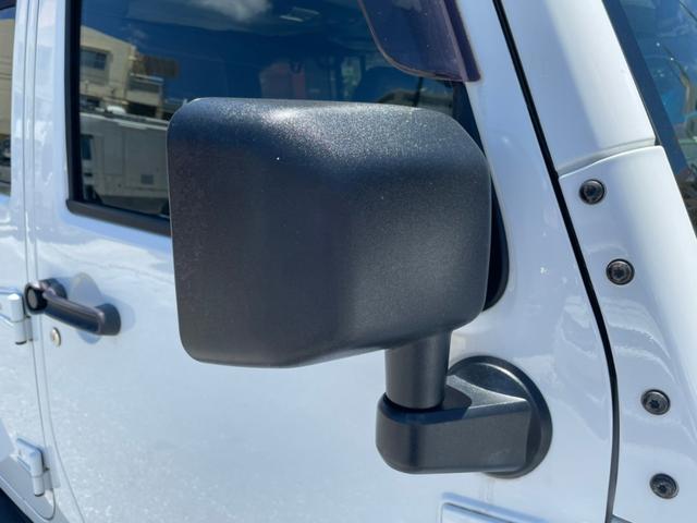 ポーラーエディション 横滑り防止装置 サイドカメラ キーレス CD シートヒーター 4WD(27枚目)