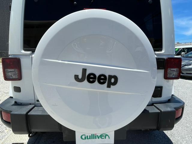 ポーラーエディション 横滑り防止装置 サイドカメラ キーレス CD シートヒーター 4WD(29枚目)