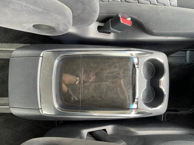 2.5Z Aエディション ナビ Bluetooth バックカメラ オートライト 電動格納ミラー 三列シート フルフラット ウォークスルー キーレスエントリー スマートキー(32枚目)