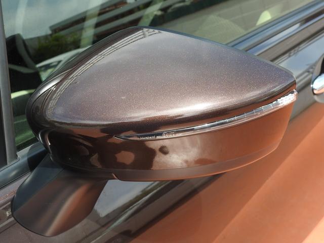ウインカーミラーです。対向車や後続車両にもこちらの右左折を伝えやすいです。
