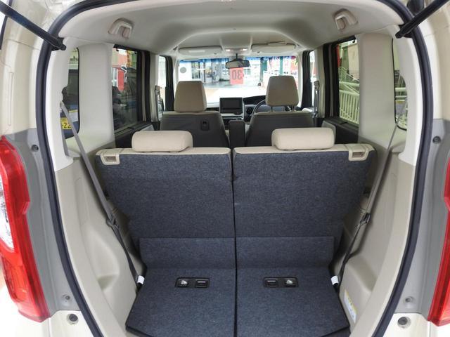 トランクルームは、荷室長は44cmで席を前に寄せると63cmになります!!高さは120cmほどになります^-^