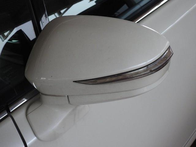 S 修復歴なし プッシュスタート 運転席/助手席パワーシート 純正SDナビ フルセグTV CD/DVD CD録音 バックモニター Bluetooth LEDヘッドライト ビルトインETC 純正アルミ(6枚目)
