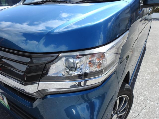 HIDヘッドライト基本装備車 ハロゲンよりも明るく電力消費も抑えられます。
