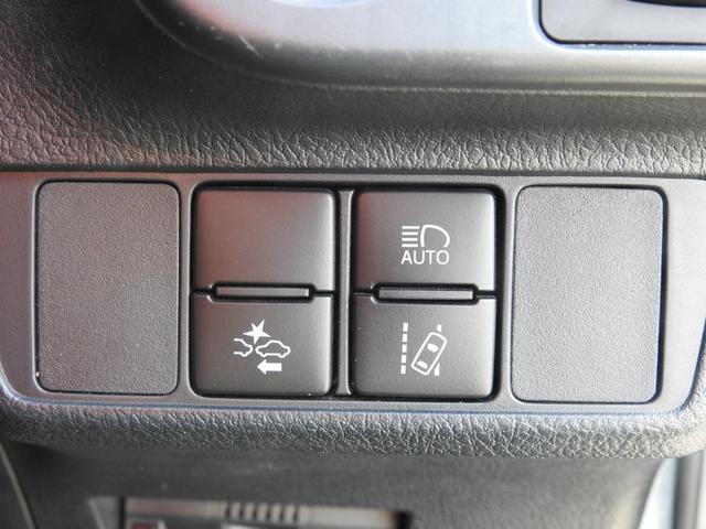 「トヨタセーフティセンス」という衝突軽減システムを搭載レーンキープアシスト、オートハイビームなど多彩な機能で安全運転をアシスト☆