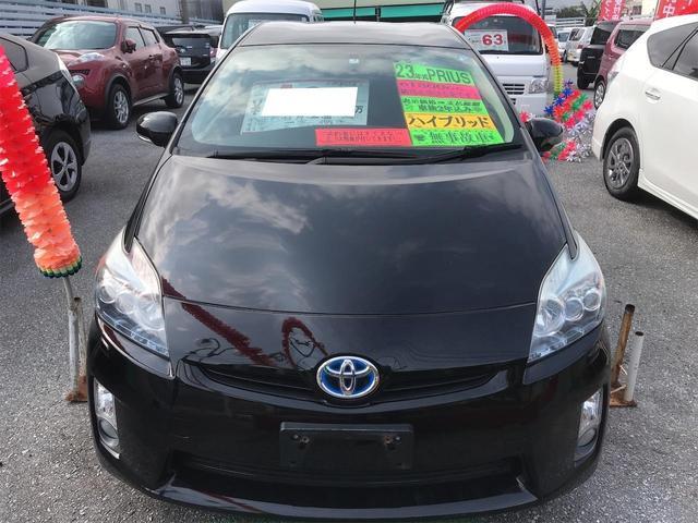 トヨタ、プリウス入庫しました!!ハイブリッド車と言えばプリウス、人気のブラック、ナビTVやバックモニター等欲しい装備も一通り揃ったおススメの一台です!!