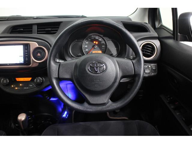 IR(赤外線)カット機能付スーパーUVカットガラスやオートエアコン、スマートエントリー&スタートシステムなどを特別装備し、利便性・快適性を向上。