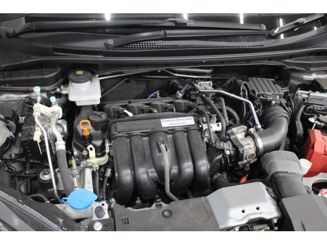 水冷直列4気筒DOHC16バルブ+モーター 最高出力110ps(81kW)/6000rpm最大トルク 13.7kg・m(134N・m)/5000rpm
