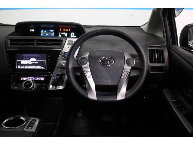 標準の走行モードに加え、シーンにあわせて選べる3つのドライブモード、「エコドライブモード」、「パワーモード」、モーターのみで静かな走行を実現する「EVドライブモード」を設定