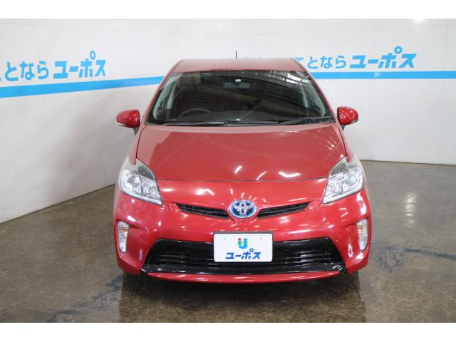 プリウス(PRIUS)は、1997年に世界初の量産ハイブリッド乗用車として発売以来、日本をはじめ、北米を中心に世界で40以上の国・地域で販売している。