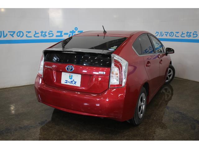 99馬力を発生する1.8Lガソリンエンジンに、82馬力のモーター、システム全体で136馬力相当の出力とする。