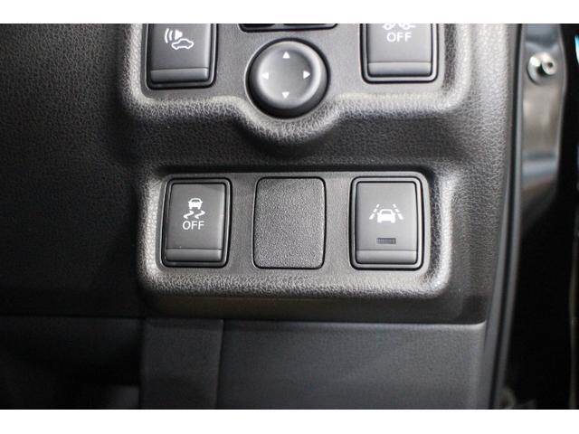意図せず走行車線を逸脱しそうな場合に車線内に戻す操作を支援する「インテリジェントLI(車線逸脱防止支援システム)」
