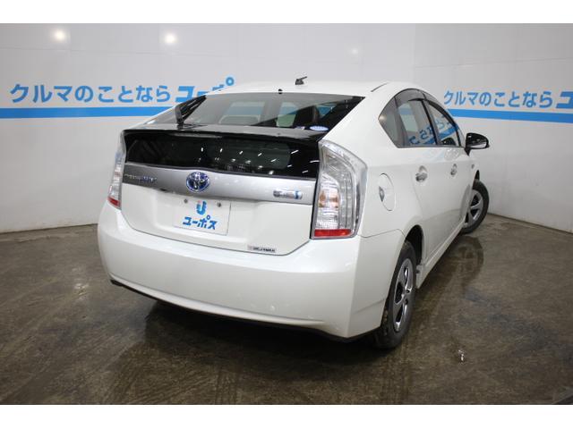 標準の走行モードに加え、走行シーンにあわせて選べる「エコドライブモード」「パワーモード」を設定し、さらに「EV/HVモード切替えスイッチ」を装備。