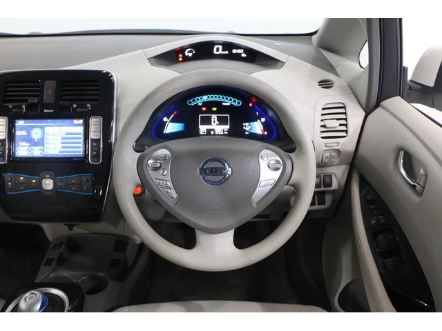 リチウムイオンバッテリーと電気モーターの搭載により、力強く滑らかな加速性能、あらゆる速度域で高級車のような静粛性能、優れた重量バランスによる高い操縦安定性を可能とする