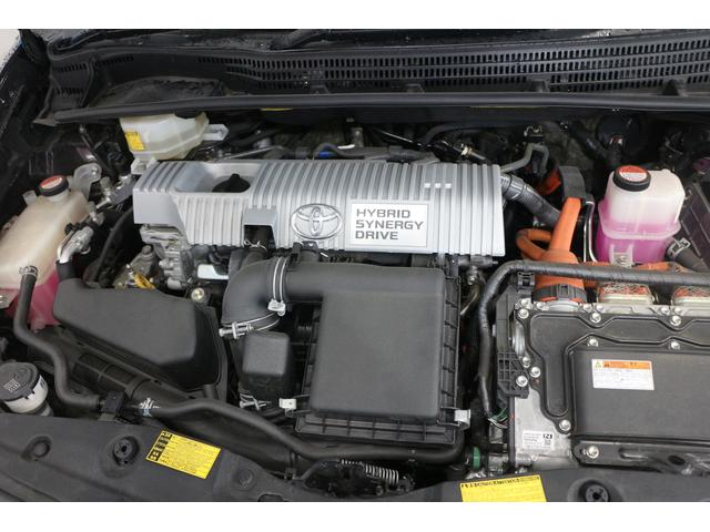 水冷直列4気筒DOHC+モーター 最高出力99ps(73kW)/5200rpm最大トルク14.5kg・m(142N・m)/4000rpm