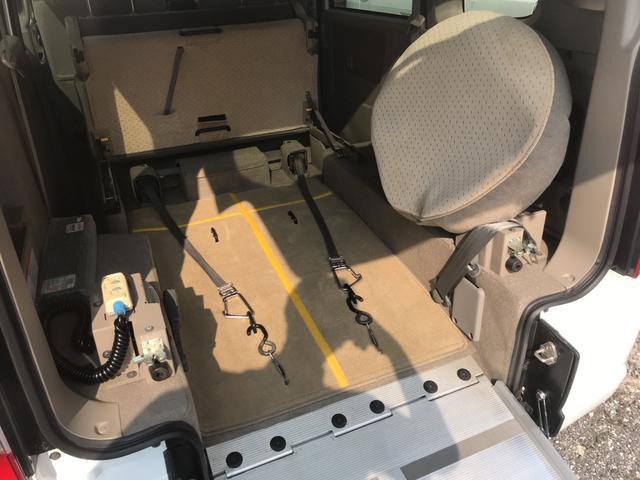 福祉車両 スローパー 車椅子1基載(4枚目)