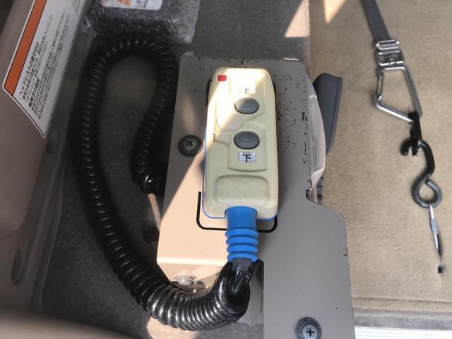 福祉車両 スローパー 車椅子1基載(5枚目)