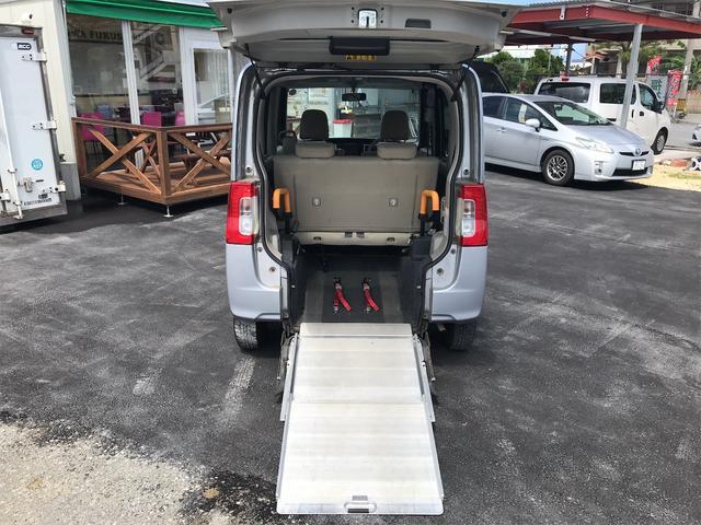 福祉車両 後部スローパー 車椅子1基載 キーレス CD ベンチシート ナビ 両側スライドドア(2枚目)