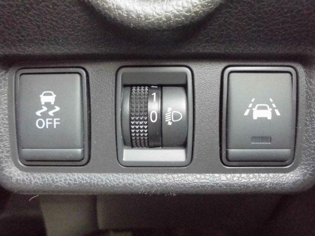 ABS機能OFFスイッチ、マニュアルレベライザー、車線逸脱警報スイッチ