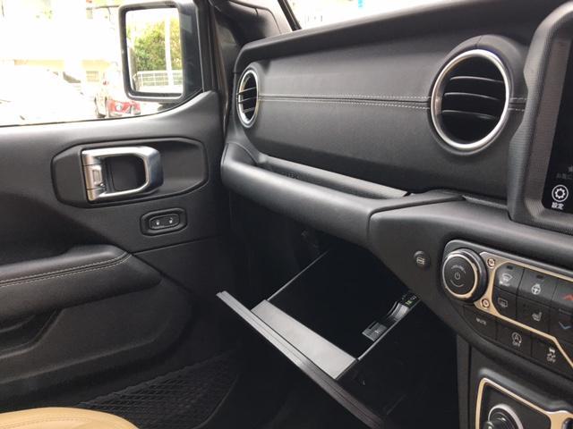 「その他」「ジープラングラーアンリミテッド」「SUV・クロカン」「沖縄県」の中古車36