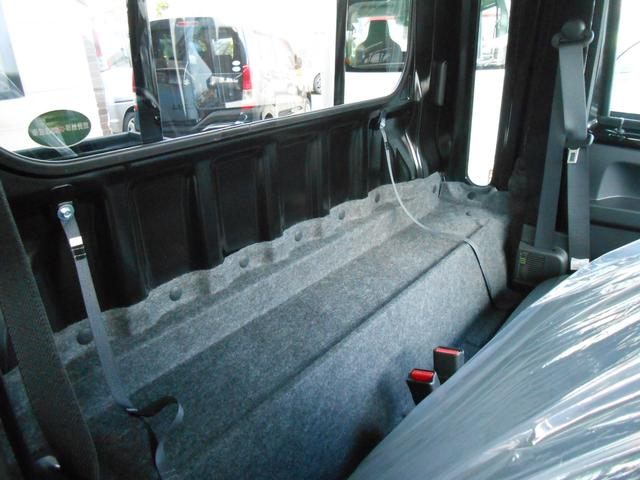 シートバックスペース「シートの背面には荷物も置けます」