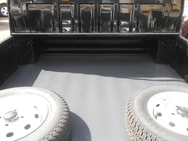 オプション装備:荷台ゴムマット