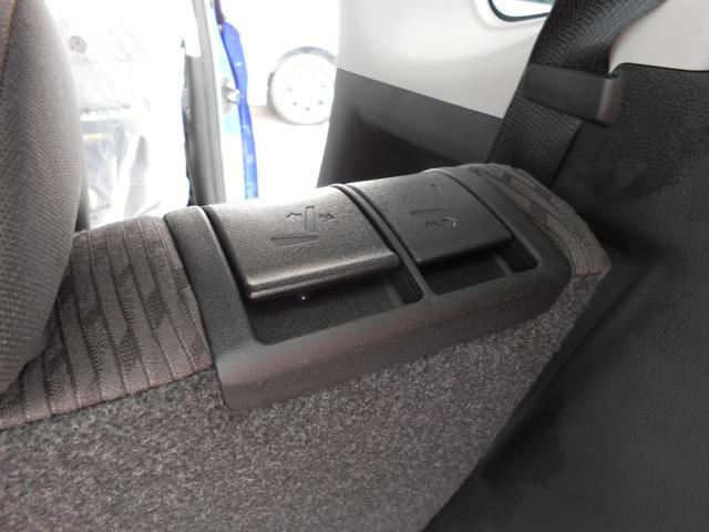 リヤシートのスライド操作は荷室側からも可能