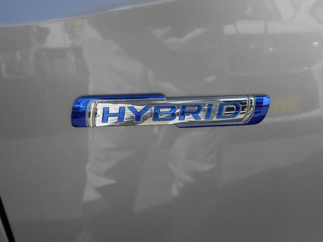 HYBRID「マイルドハイブリッド搭載で低燃費の33.4km/L」