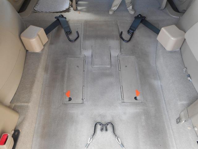 日産 セレナ 福祉車両 1基積 電動スローパー・助手席回転シート