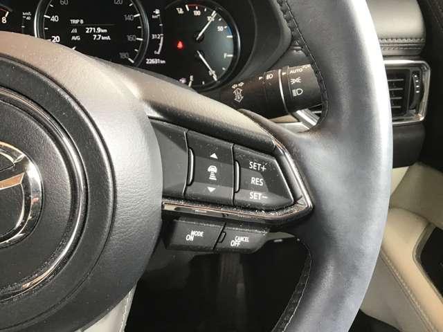 各種安全装備のオンオフのスイッチは運転席右下に装備されております。ボタンひとつで簡単に操作が可能な優れものです!