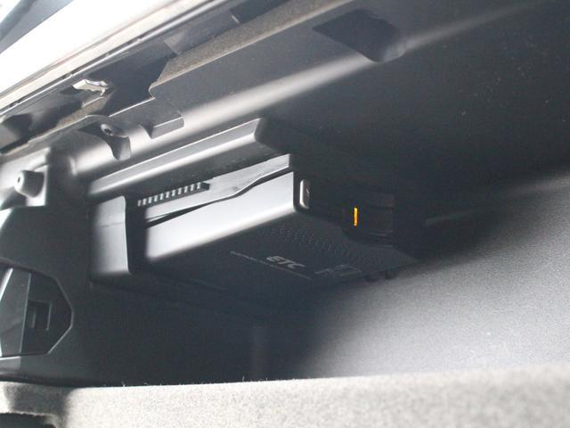 メルセデス・ベンツ M・ベンツ B180BEスポーツ 黒半革 HDD地デジBカメラ 17AW