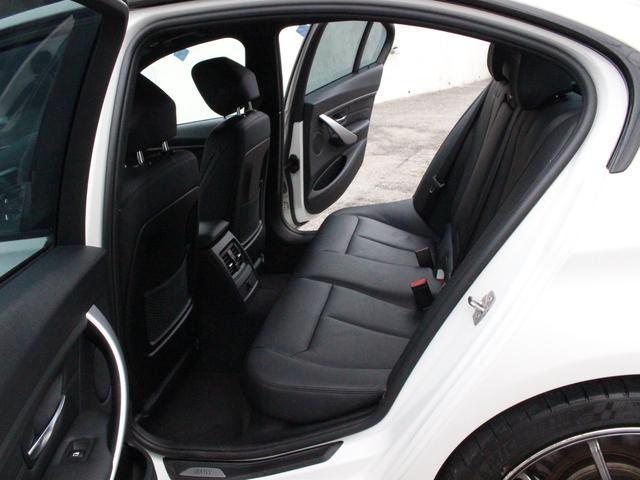 ブラックレザーシート メモリー付パワーシート シートヒーター バイキセノンヘッドライト/LEDスモールライトリング付 i−Drive