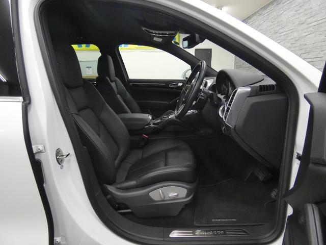ベースグレード V6ツインターボ 後期型 黒レザー 純正HDDナビ 地デジ Bカメラ オートテールゲート 18AW キセノンHL 1オ-ナ- パークアシストシステム パワーシート シートヒーター(31枚目)