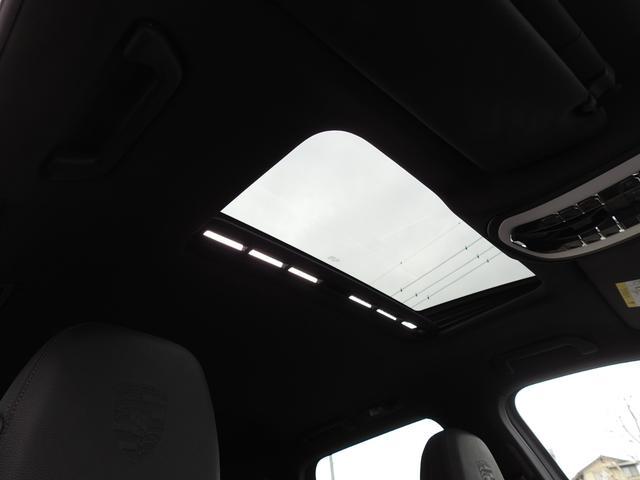 S E-ハイブリッド 後期型 ガラスSR 黒レザー シートヒーター エントリー&ドライブ SDナビ地デジBカメラ 18AW 禁煙 PAS オートマチックテールゲート V型6気筒Sチャージャーエンジン+モーター(19枚目)